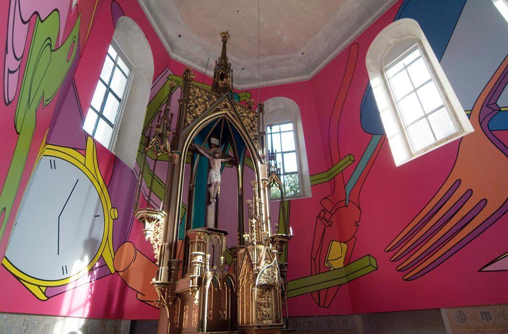 Michael Craig-Martin, Signs of Life (2006) in der Johanniterkirche Feldkirch. Eine Kooperation mit dem Kunsthaus Bregenz.
