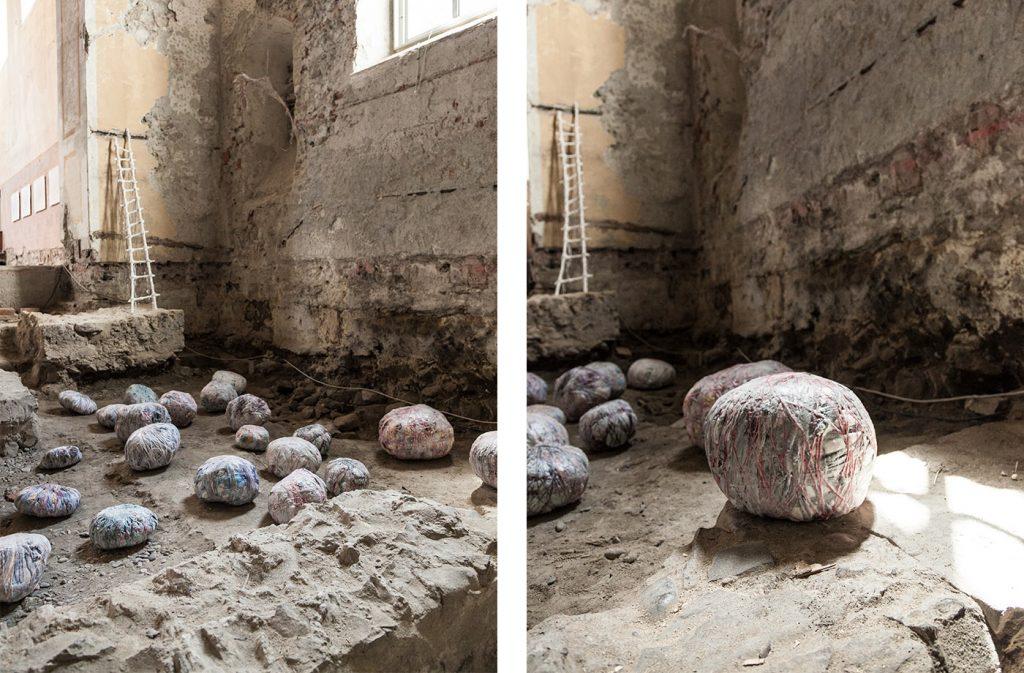Nesa Gschwend, Textile Memory (2017) in der Johanniterkirche Feldkirch.